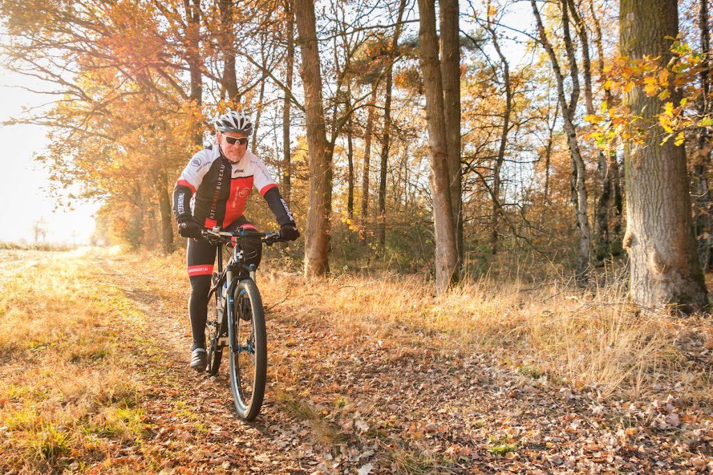Mountainbiker in de Stramprooierheide.